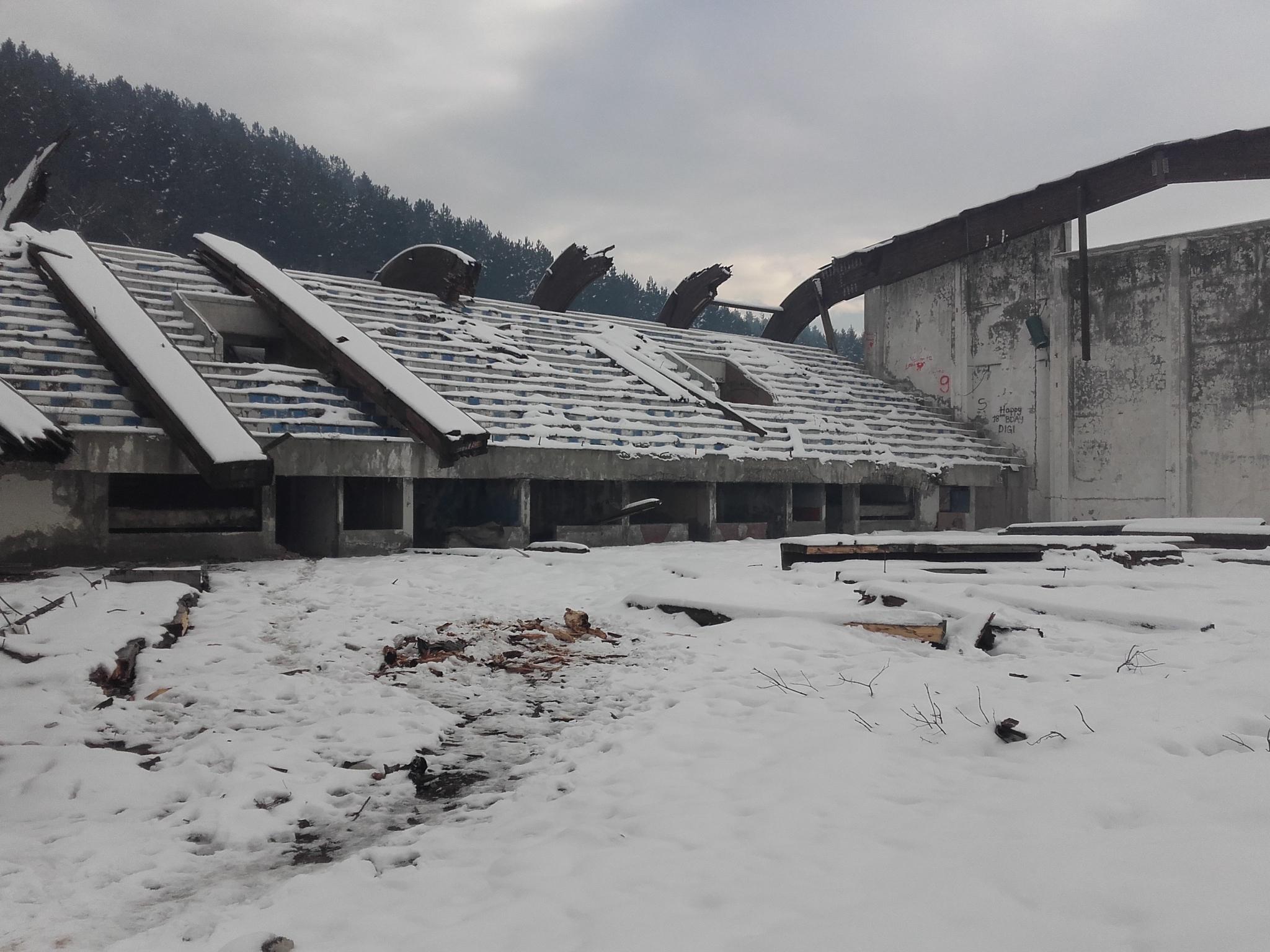 Srušena hala u Beranama